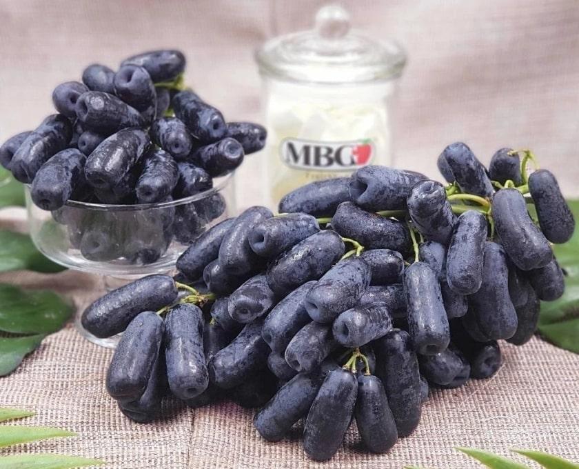 Грозди винограда Капли луны