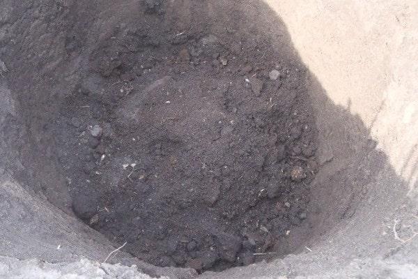 Выкопка ямы